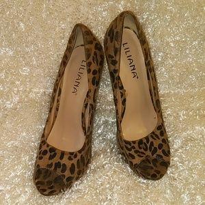 Liliana leopard print heels.. SIZE 9